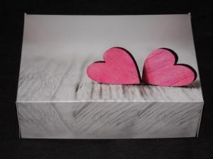 Pudełko na ciasto Serca drewniane rozm. 22x15,5x7,5